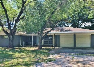 Foreclosed Home in Magnolia 77354 DOBBIN HUFFSMITH RD - Property ID: 3608583548