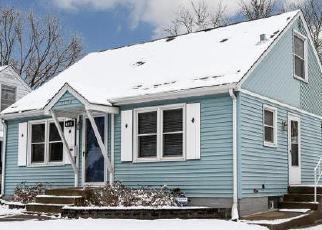 Foreclosed Home in Saint Paul 55106 FLANDRAU ST - Property ID: 3616966362