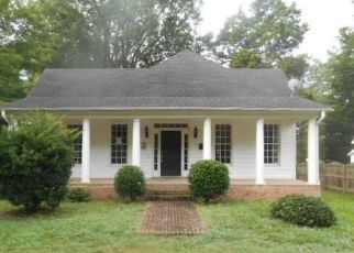 Foreclosed Home in Henderson 27536 APPLE ST - Property ID: 3634494972