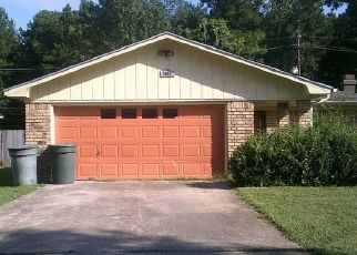 Foreclosed Home in Beaumont 77708 SPRINGDALE LN - Property ID: 3639527273