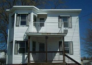 Foreclosed Home in Cranston 02920 MEADOW AVE - Property ID: 3669971287