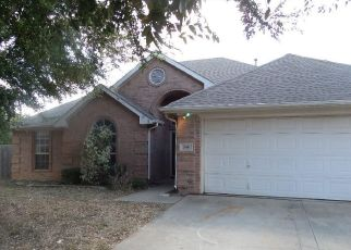 Foreclosed Home in Crowley 76036 OLIVE ST - Property ID: 3676236962