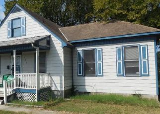 Foreclosed Home in Petersburg 23803 HENRICO ST - Property ID: 3687813478