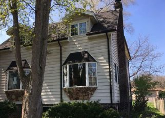Foreclosed Home in Palos Hills 60465 S ELEANOR AVE - Property ID: 3699142555