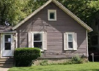 Foreclosed Home in Lansing 48915 W LENAWEE ST - Property ID: 3715065533