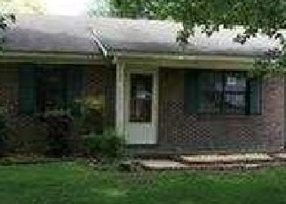 Foreclosed Home in Athens 35613 OAKLAND MDWS - Property ID: 3742090724