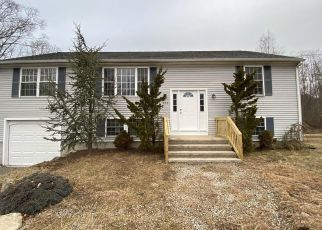 Foreclosed Home in Westport 02790 CHARLOTTE WHITE RD - Property ID: 3746591784