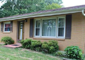Foreclosed Home in Clarksville 37040 OLD HIGHWAY 48 - Property ID: 3760264448