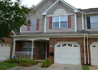 Foreclosed Home in Chesapeake 23322 S LAKE CIR - Property ID: 3796111753