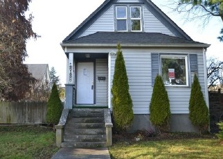 Foreclosed Home in Everett 98201 PINE ST - Property ID: 3809285566