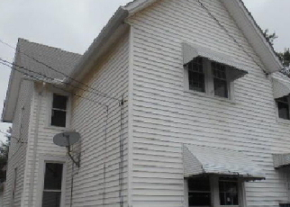 Foreclosed Home in Cleveland 44105 HARVARD AVE - Property ID: 3825655726