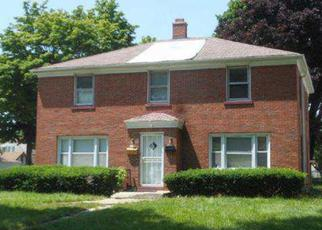 Foreclosed Home in Milwaukee 53216 N 42ND ST - Property ID: 3832341838