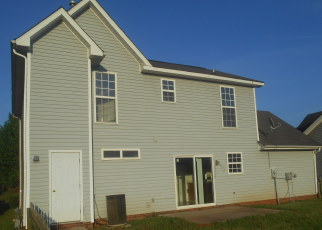 Foreclosed Home in Charlotte 28262 VERNON WOOD LN - Property ID: 3836124616
