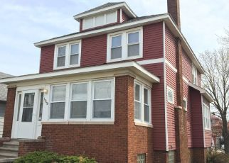 Foreclosed Home in Whiting 46394 LAKE AVE - Property ID: 3838462968
