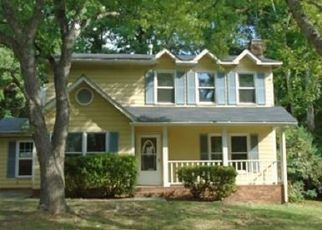 Foreclosed Home in Charlotte 28212 LOCKMONT DR - Property ID: 3872926249