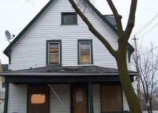 Foreclosed Home in Milwaukee 53208 N 32ND ST - Property ID: 3885672611