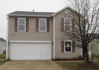 Foreclosed Home in Indianapolis 46217 EVERBLOOM WAY - Property ID: 3901267555