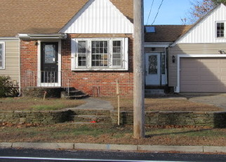 Foreclosed Home in Rumford 02916 ROGER WILLIAMS AVE - Property ID: 3912444200