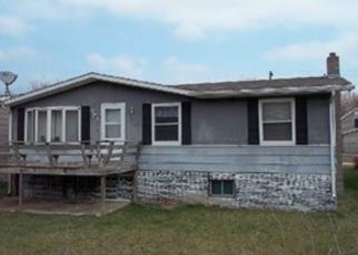 Foreclosed Home in Guttenberg 52052 N 5TH LN - Property ID: 3914008655
