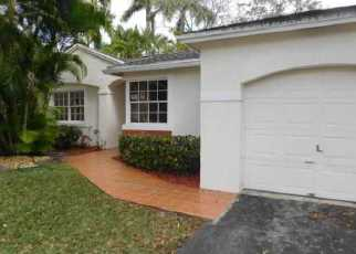 Foreclosed Home in Pembroke Pines 33026 NW 12TH ST - Property ID: 3921428811