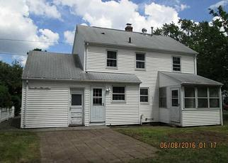 Foreclosed Home in Warwick 02888 SPOFFORD AVE - Property ID: 3981829359