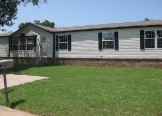 Foreclosed Home in Wichita Falls 76302 31ST ST - Property ID: 3993156692
