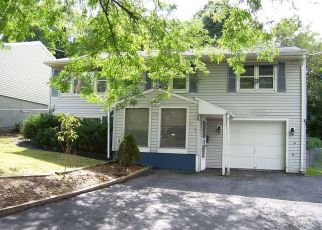 Foreclosed Home in Syracuse 13219 MALE AVE - Property ID: 4000831303