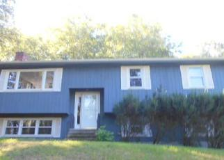 Foreclosed Home in North Branford 06471 NOTCH HILL RD - Property ID: 4023604637