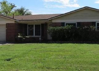 Foreclosed Home in Tampa 33610 WALTON WAY - Property ID: 4026505335