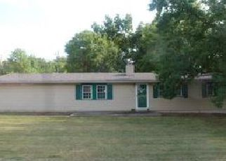 Foreclosed Home in Albers 62215 STATE ROUTE 161 W - Property ID: 4039811874