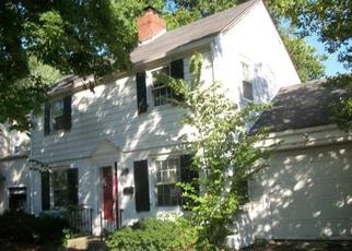 Foreclosed Home in Trenton 08618 SUTHERLAND RD - Property ID: 4041734120