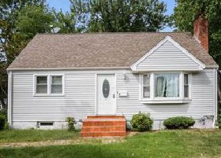 Foreclosed Home in Newington 06111 GREENLAWN AVE - Property ID: 4045449918