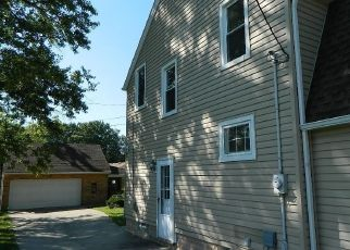 Foreclosed Home in Maple Heights 44137 RAYMOND ST - Property ID: 4052876182