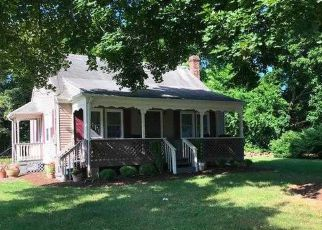 Foreclosed Home in Hightstown 08520 ETRA PERRINEVILLE RD - Property ID: 4052984369