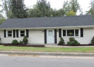 Foreclosed Home in Buffalo 14221 N FOREST RD - Property ID: 4053504241