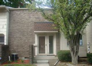 Foreclosed Home in Southfield 48075 WILLIAMSBURG TOWNE ST - Property ID: 4055678795