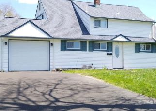 Foreclosed Home in Levittown 19057 INDIAN CREEK DR - Property ID: 4060046710