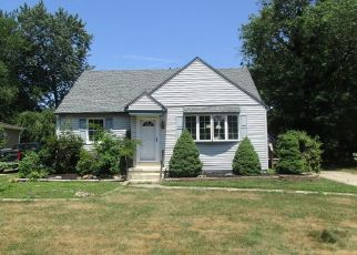 Foreclosed Home in Barrington 08007 THOMAS AVE - Property ID: 4060315170