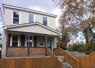 Foreclosed Home in Newport News 23607 32ND ST - Property ID: 4065710584