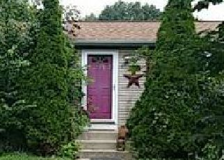 Foreclosed Home in Cranston 02921 GLENHAM RD - Property ID: 4072971760