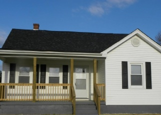 Foreclosed Home in Brookneal 24528 LEWIS FORD RD - Property ID: 4091007973