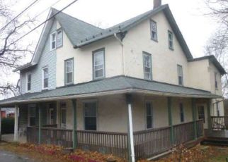 Foreclosed Home in Birdsboro 19508 E BAUMSTOWN RD - Property ID: 4097735687