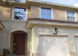 Foreclosed Home in Palm Beach Gardens 33418 SEMINOLE GARDENS CIR - Property ID: 4107087745