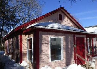 Foreclosed Home in Bangor 04401 ABBOTT LN - Property ID: 4116256276