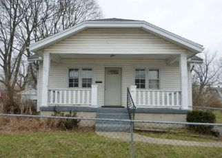 Foreclosed Home in Dayton 45417 N DECKER AVE - Property ID: 4117978848