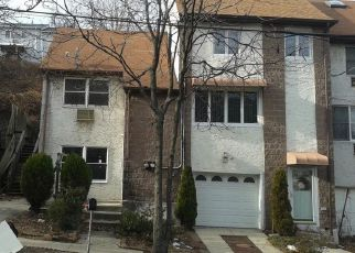 Foreclosed Home in Staten Island 10304 WARD AVE - Property ID: 4119673354