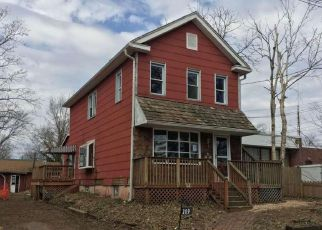 Foreclosed Home in Barrington 08007 HAINES AVE - Property ID: 4122931894