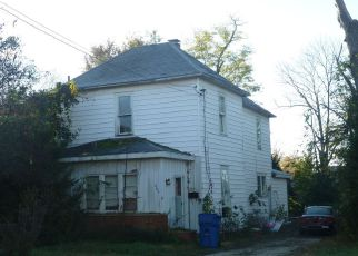 Foreclosed Home in Lawrenceville 62439 JEFFERSON ST - Property ID: 4124619399