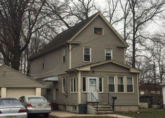 Foreclosed Home in Kenilworth 07033 S MICHIGAN AVE - Property ID: 4124913276