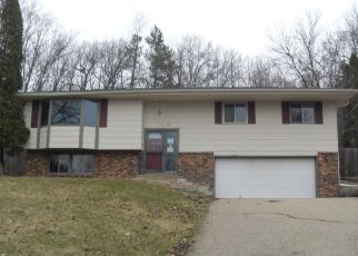 Foreclosed Home in Prior Lake 55372 BAYVIEW CIR NE - Property ID: 4125951275